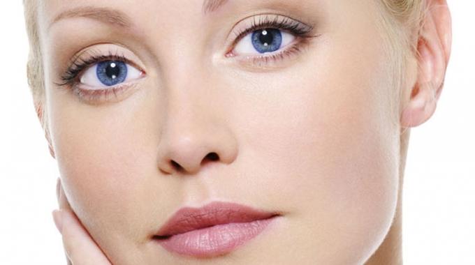 Förbättra hudton, hudtextur och elasticitet – Fillers